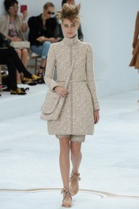 Chanel-Fall-Winter-2014-Couture-Show-featuring-New-Bags-2